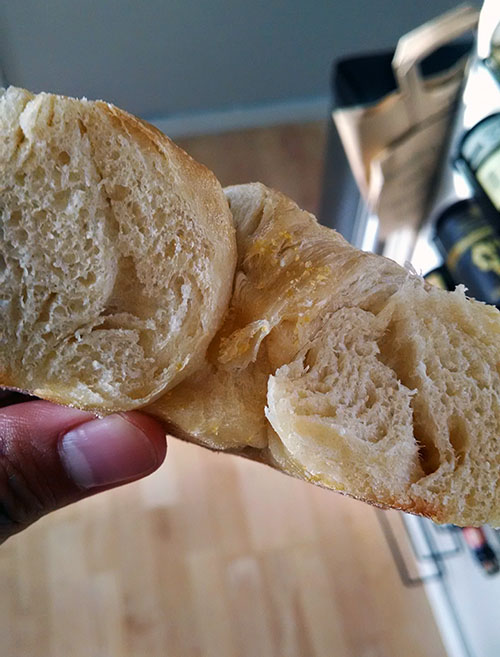 Plain cragel, sliced in half, untoasted.