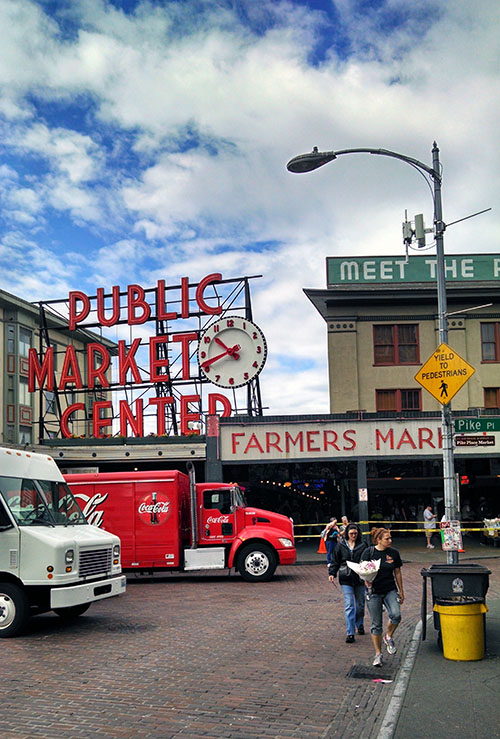 Pike Place market tourist photo.